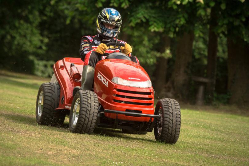 Courses de Tracteurs Tondeuses